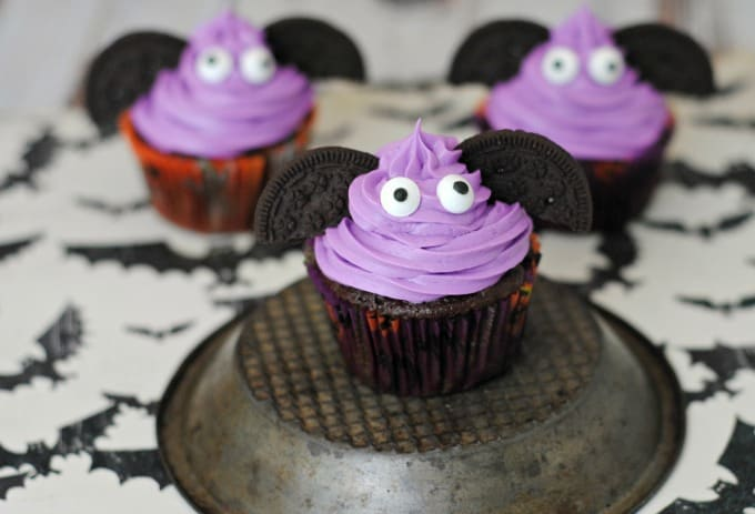 DIY Halloween Bat Cupcakes