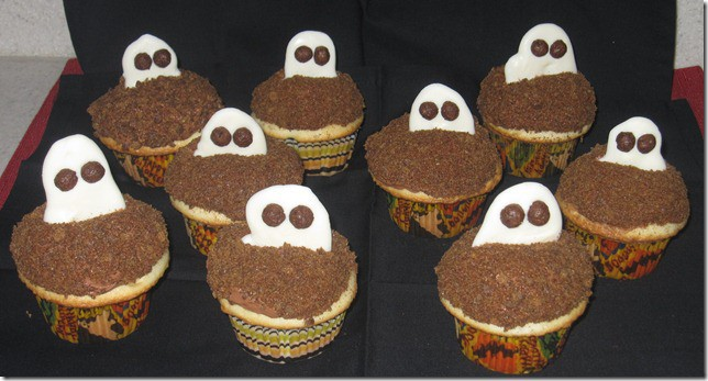 Ghostly Cocoa Puffs Halloween Cupcakes