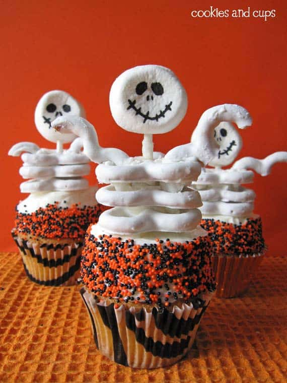 Skeleton Halloween Chocolate Covered Pretzel Cupcakes